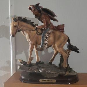 Vintage Native American Statue 12 in tall